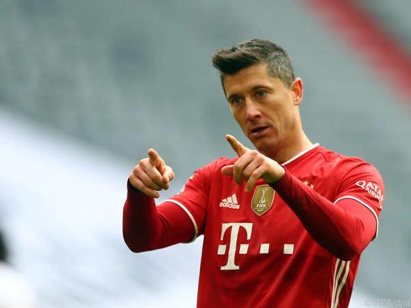 Chuyển nhượng 4/5: Real Madrid quan tâm Lewandowski